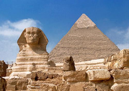 「メンフィスとその墓地遺跡-ギーザからダハシュールまでのピラミッド地帯」古代の歴史の歴史を実際に体験してみませんか?
