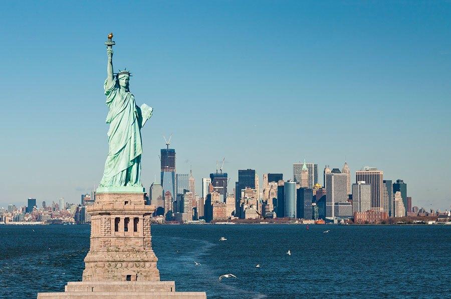 「自由の女神」 アメリカ合衆国の自由と民主主義の象徴。