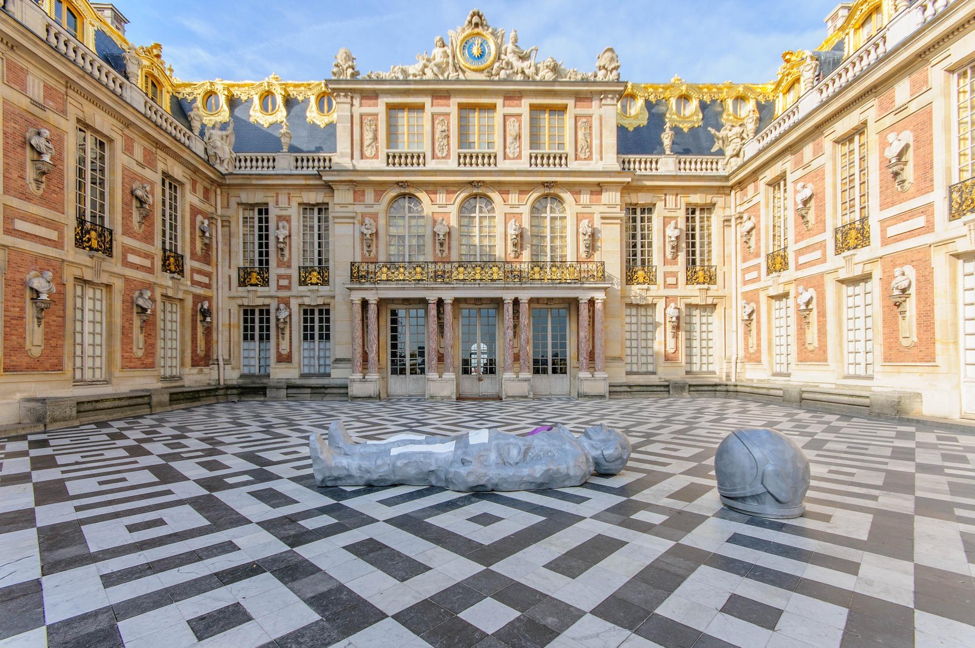 「ヴェルサイユの宮殿と庭園」 ブルボン王朝の優雅な宮廷生活を今に伝えるヴェルサイユ宮殿