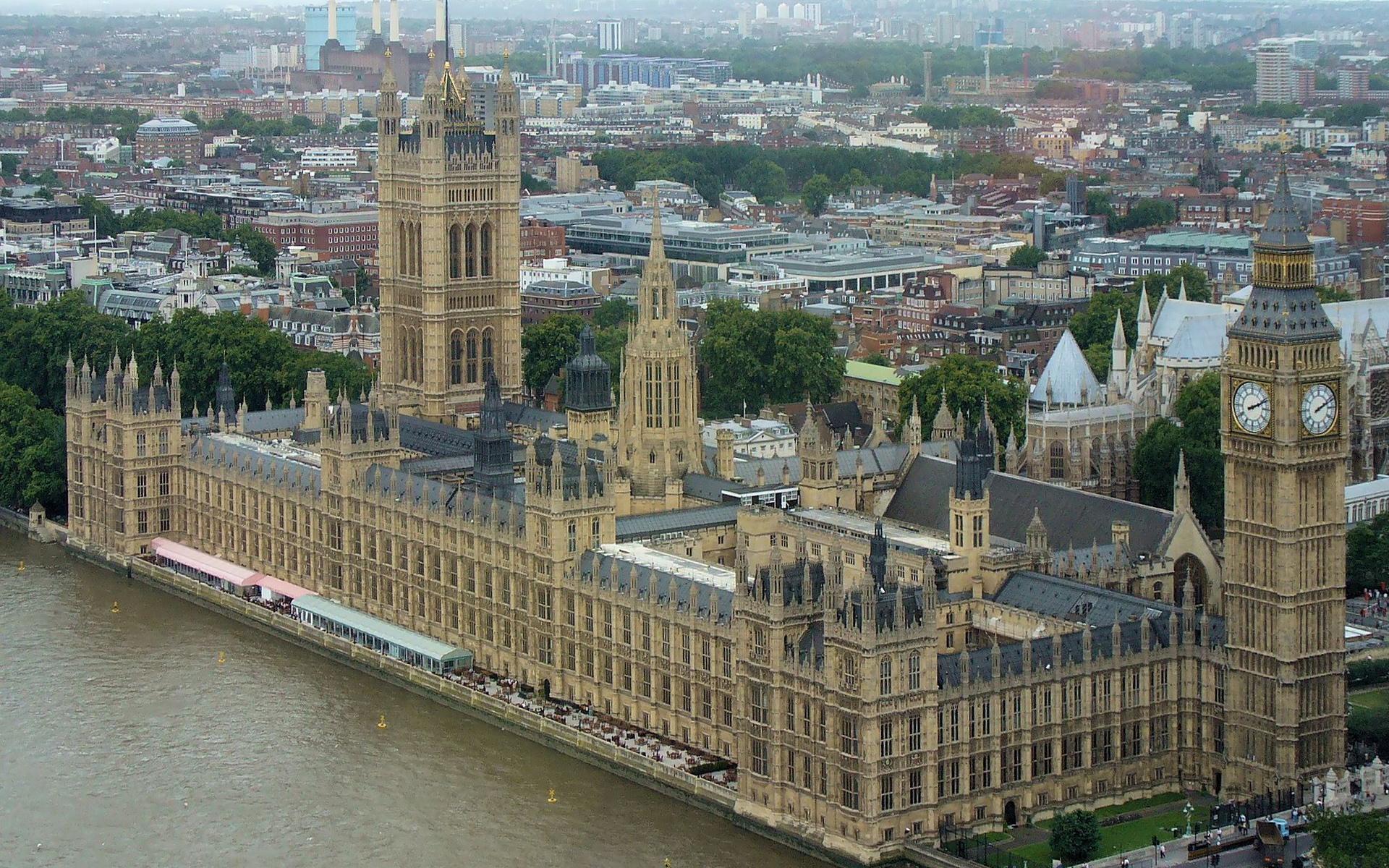 「ウエストミンスター宮殿、ウエストミンスター大寺院及び聖マーガレット教会」 ロンドンの歴史を体感できる世界遺産